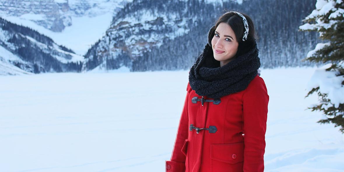 Motos de nieve, Lago congelado y Montañas blancas